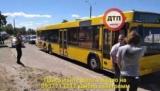 На Троещине водитель женского автобус сбил велосипедиста и скрылся от полиции